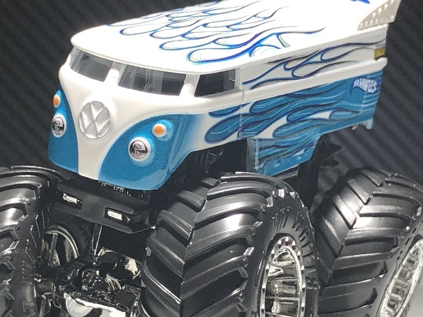 HW MONSTER TRUCKS VW Drag Bus (4)