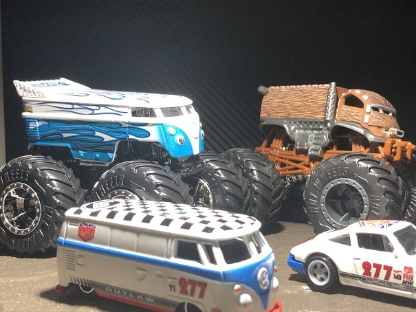 HW MONSTER TRUCKS VW Drag Bus
