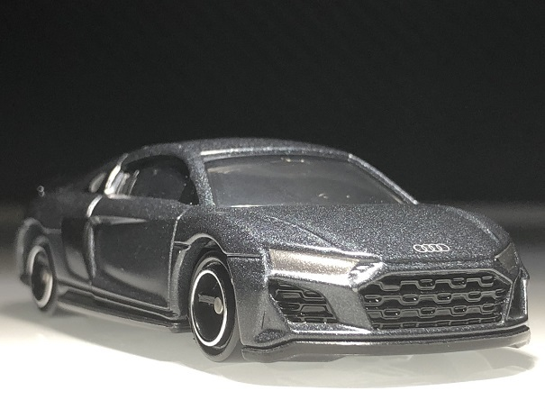 tomica audi R8 Coupe (2)