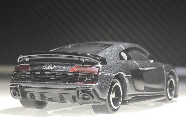 tomica audi R8 Coupe (4)