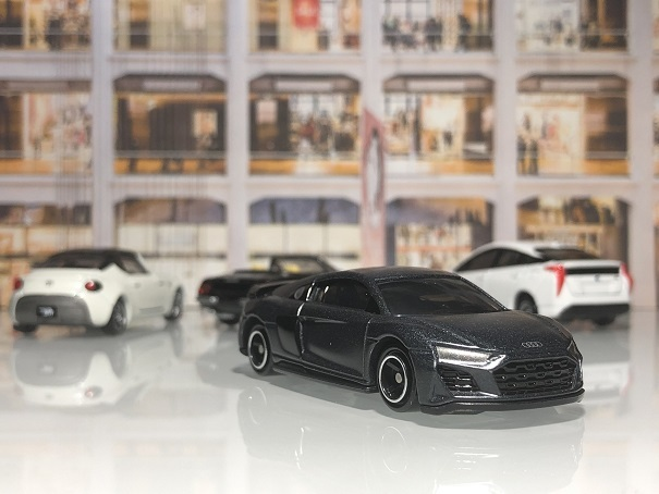 tomica audi R8 Coupe
