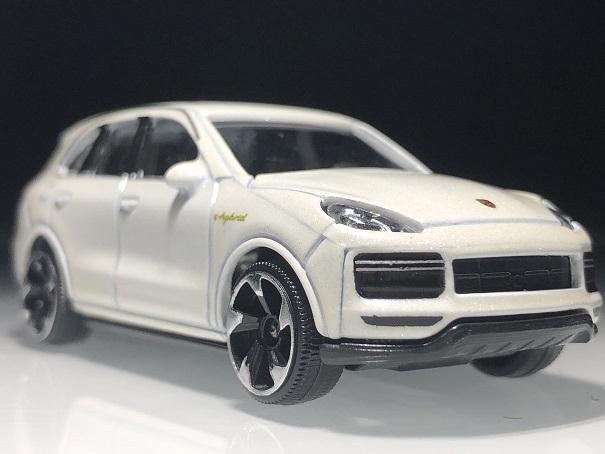Porsche Cayenne (3)