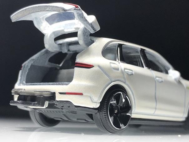 Porsche Cayenne (7)