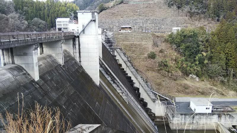 合角ダム横から202003