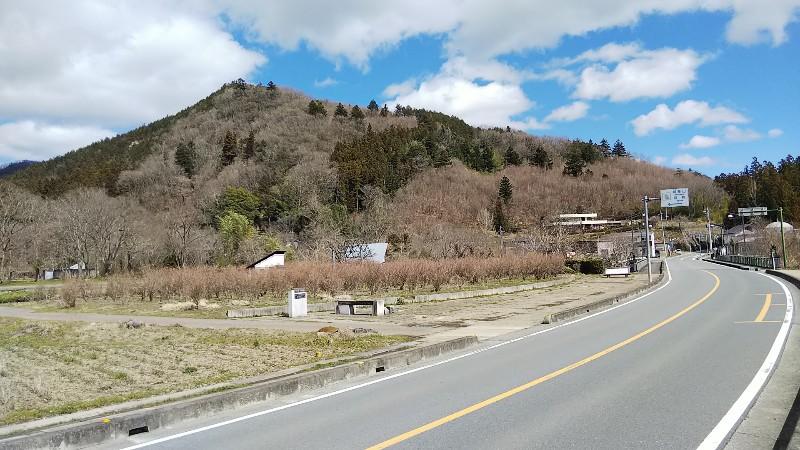 椋神社からの城峯山202003