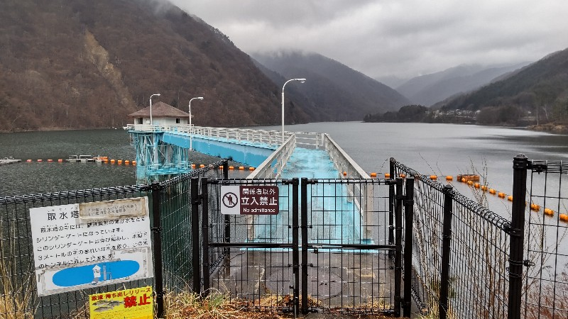 広瀬ダム取水塔202013