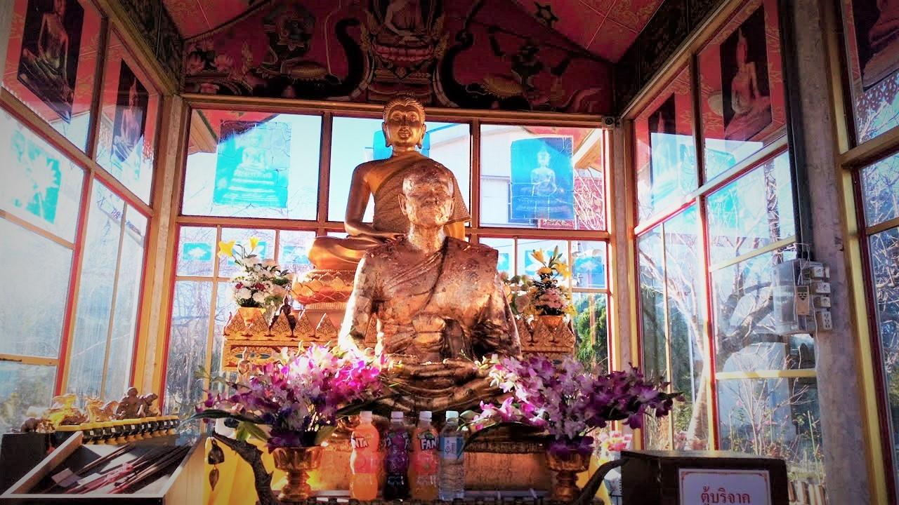 ワットパクナム(千葉県成田市)タイのお寺。離れのお堂の仏様1