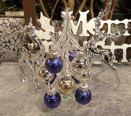 1203ガラスツリ-と銀色トナカイ