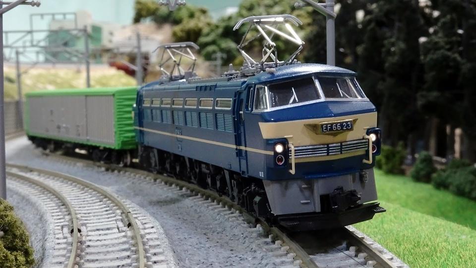 国鉄EF66電気機関車(後期型・ひさし付)