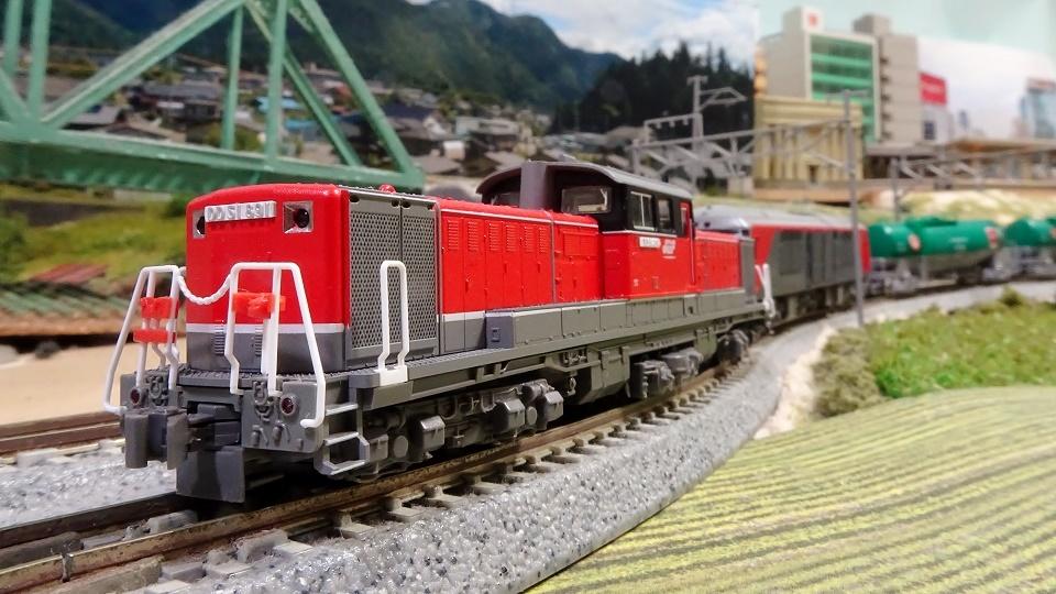 DF200-200番台 DD51-800JR貨物