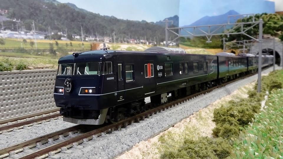 JR 117-7000系電車(WEST EXPRESS 銀河)
