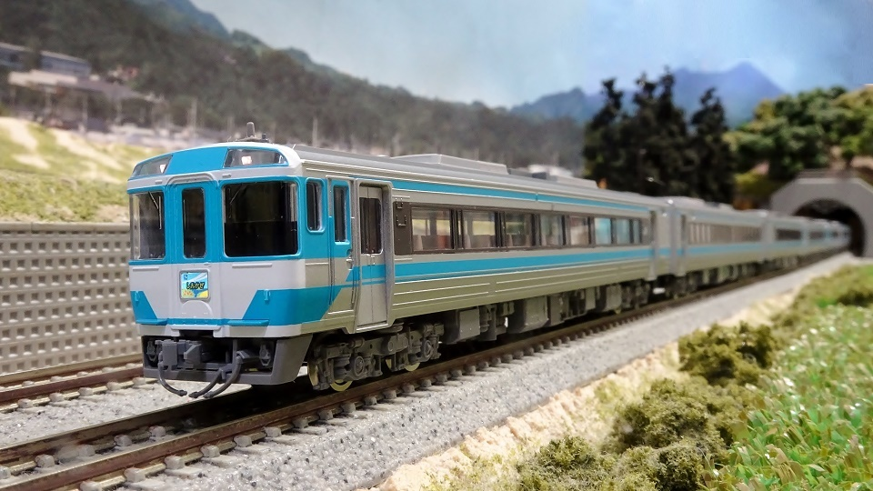 キハ185系 JR四国色