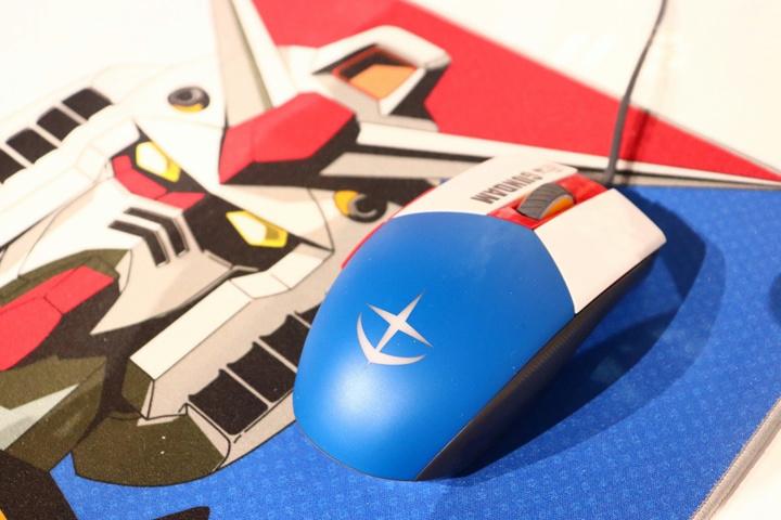 ASUS_ROG_Gundam_05.jpg