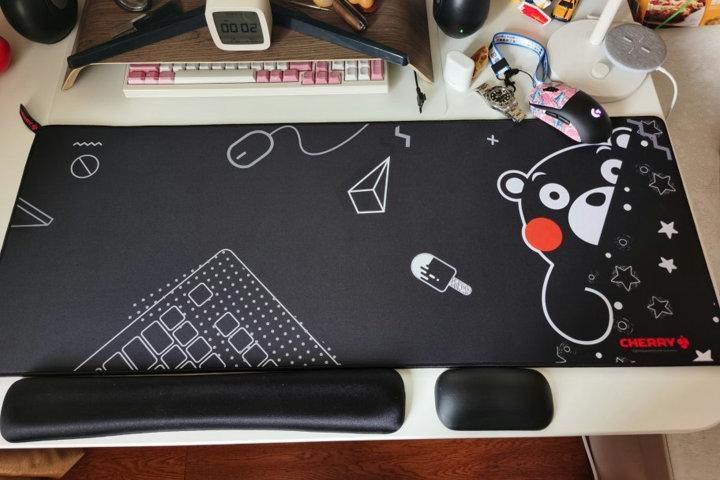 CHERRY_G80_Desk_KUMAMON_01.jpg