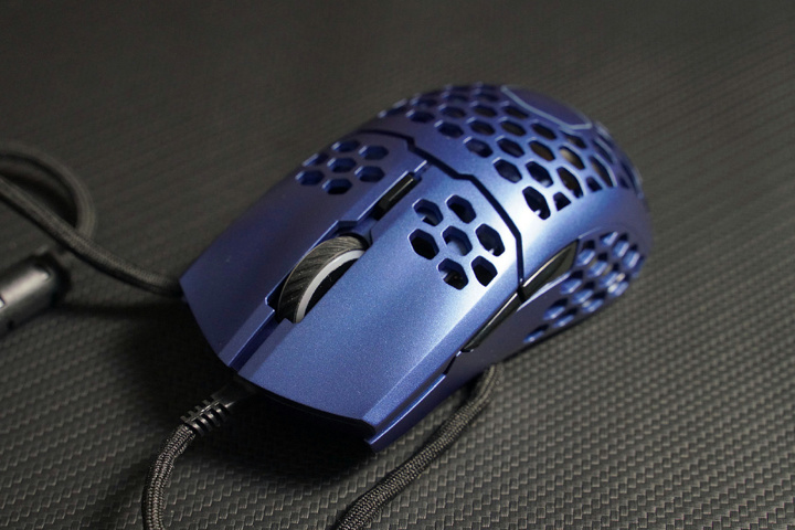Cooler_Master_MM711_Metallic_Blue_Edition_02.jpg
