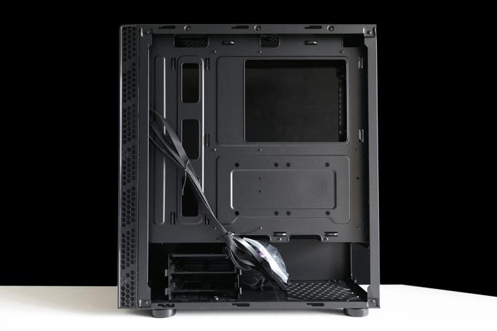 Cooler_Master_MasterBox_MB600L_V2_04.jpg