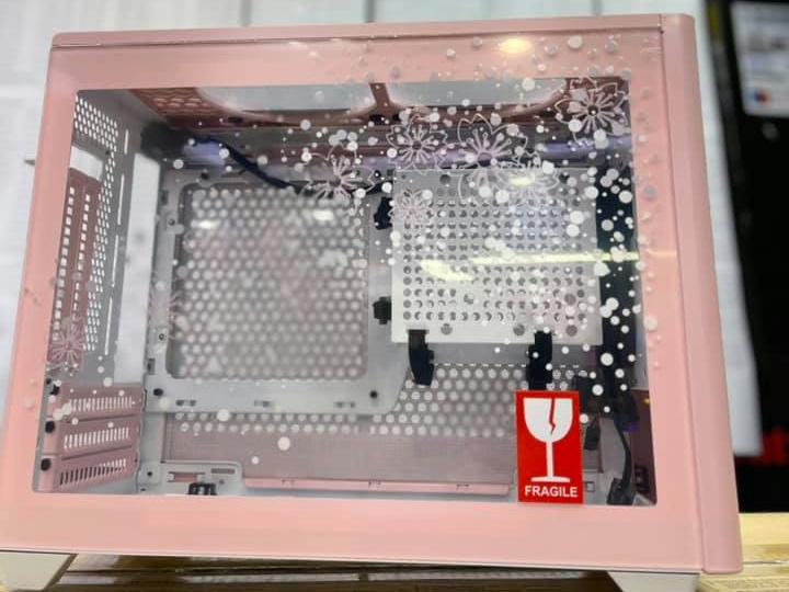 Cooler_Master_MasterBox_NR200P_Sakura_Limited_Edition_05.jpg