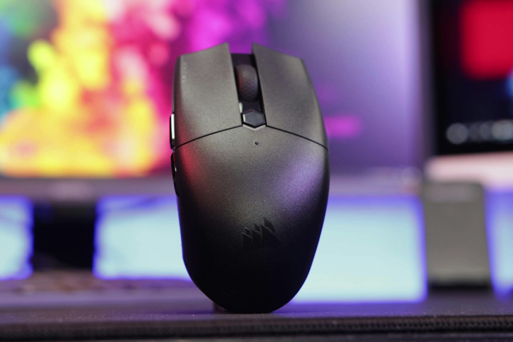 Corsair_KATAR_PRO_Wireless_02.jpg