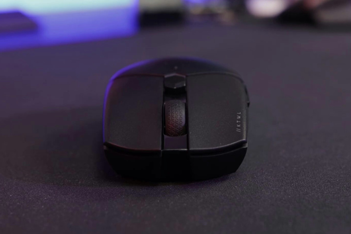 Corsair_KATAR_PRO_Wireless_04.jpg