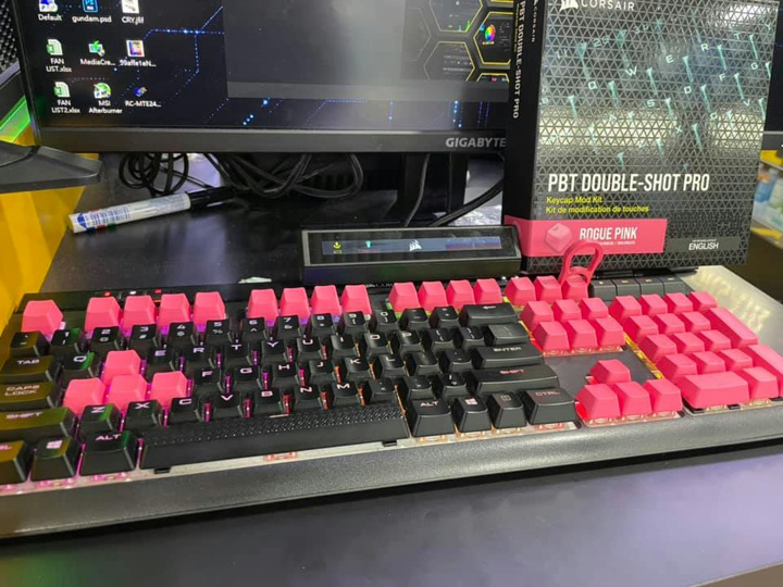 Corsair_PBT_DOUBLE-SHOT_PRO_08.jpg