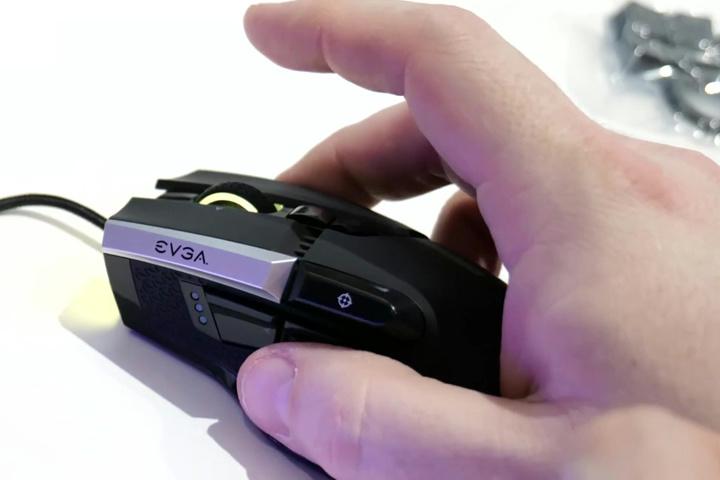 EVGA_X17_06.jpg