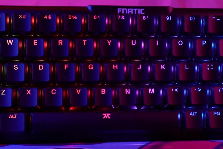Fnatic_STREAK65_03.jpg