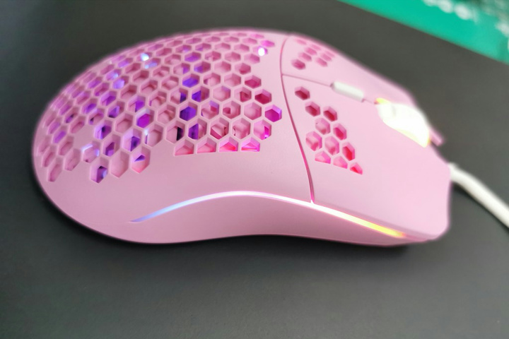 Glorious_Model_O_Pink_07.jpg