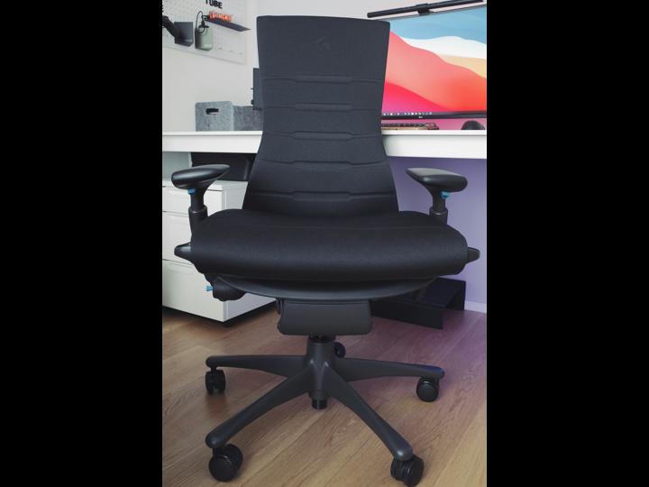 Herman_Miller_Embody_Gaming_Chair_02.jpg
