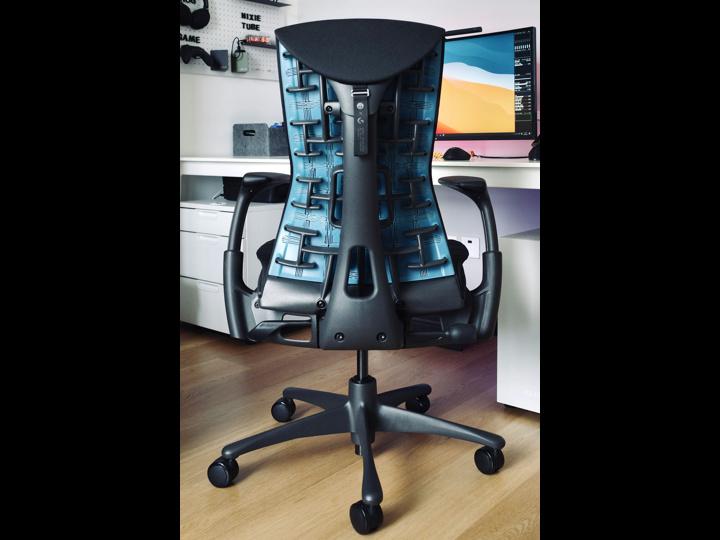 Herman_Miller_Embody_Gaming_Chair_03.jpg