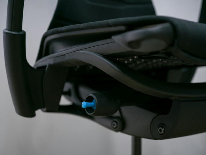 Herman_Miller_Embody_Gaming_Chair_11.jpg