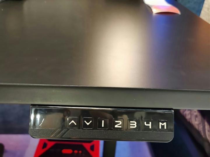 IKEA_UPPSPEL_Desk_04.jpg
