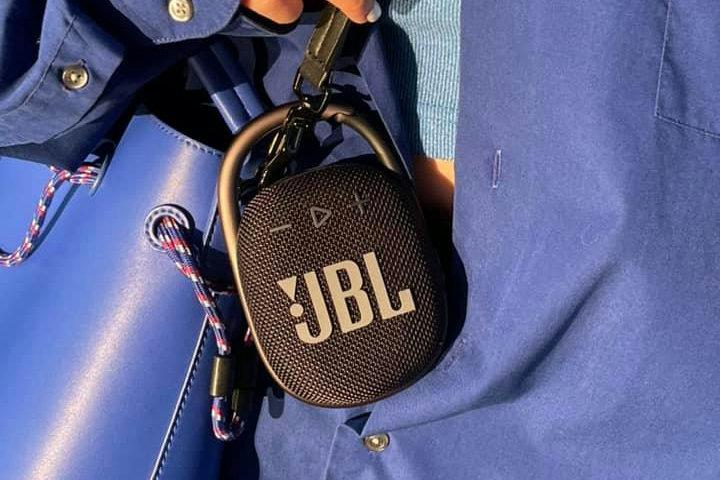 JBL_CLIP4_15.jpg