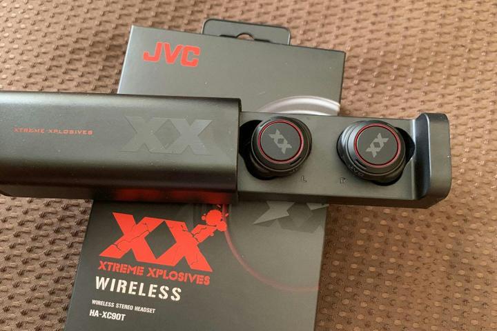 JVC_HA-XC90T_01.jpg