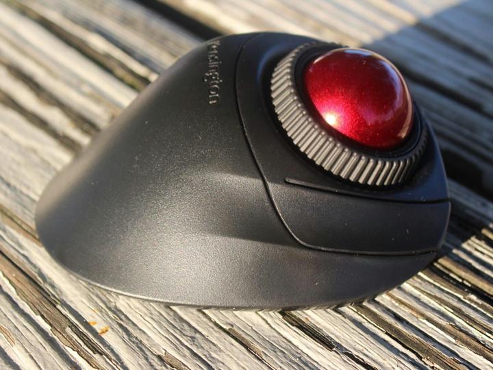 Kensington_Orbit_Fusion_Wireless_Trackball_17.jpg