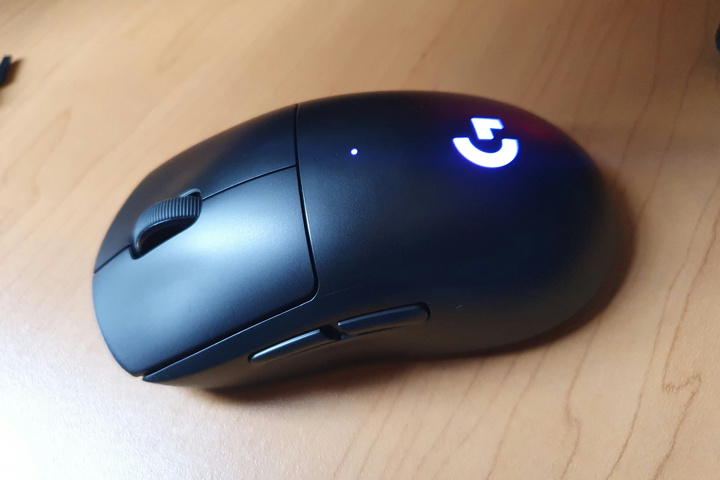 Light_Weight_Wireless_Gaming_Mouse_2021-02_02.jpg