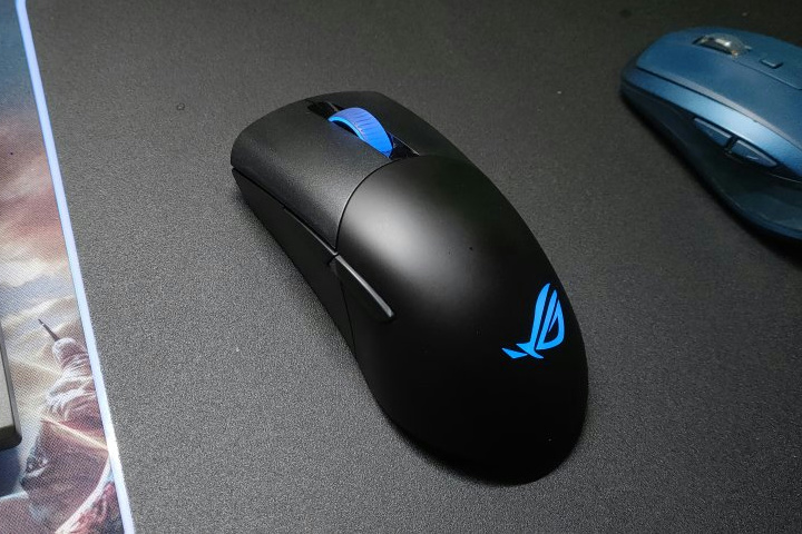 Light_Weight_Wireless_Gaming_Mouse_2021-02_06.jpg