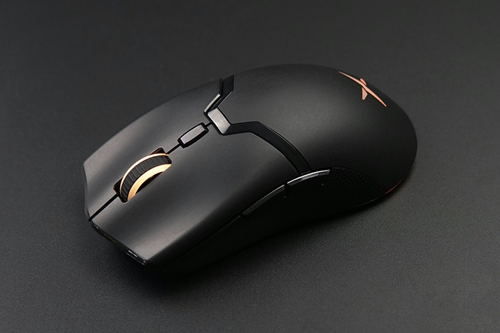 Light_Weight_Wireless_Gaming_Mouse_2021-02_12.jpg