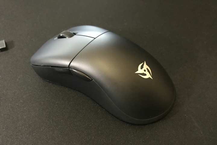 Light_Weight_Wireless_Gaming_Mouse_2021-02_13.jpg