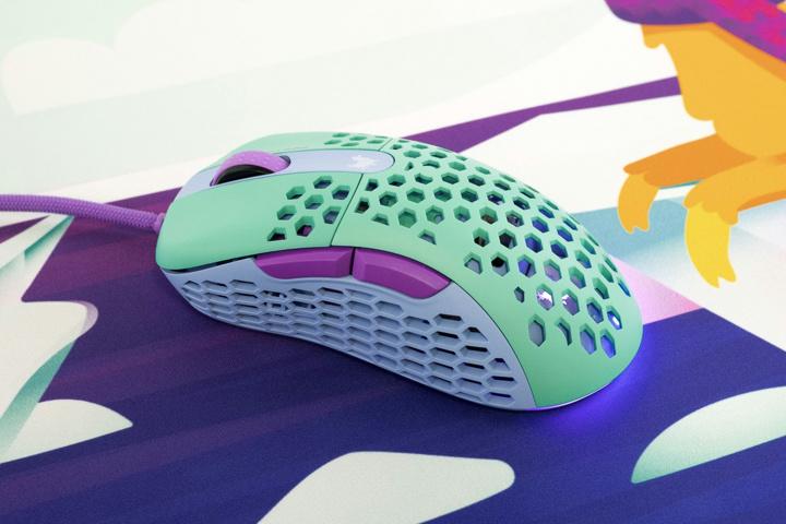 MechanicalKeyboards_com_Frozen_Llama_Mouse_01.jpg