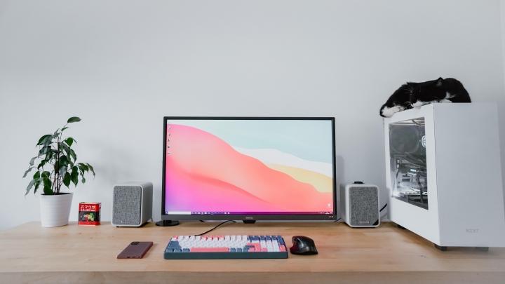 PC_Desk_Cat_34.jpg