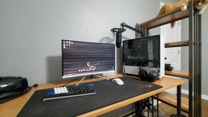 PC_Desk_Cat_50.jpg