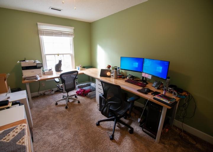 PC_Desk_Cat_53.jpg