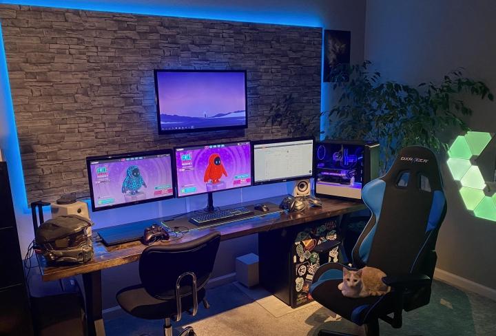 PC_Desk_Cat_62.jpg