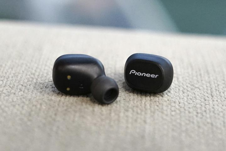Pioneer_SE-C5TW_03.jpg
