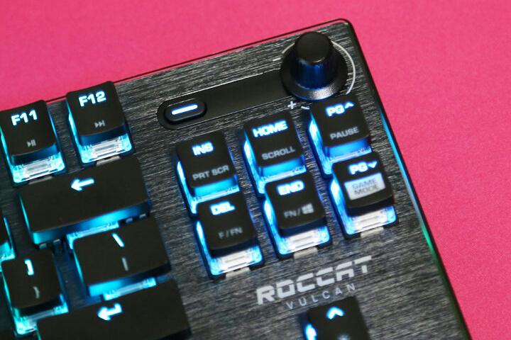 ROCCAT_Vulcan_TKL_04.jpg