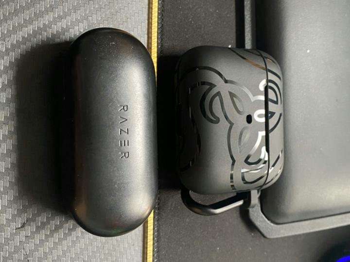 Razer_Hammerhead_True_Wireless_Pro_09.jpg