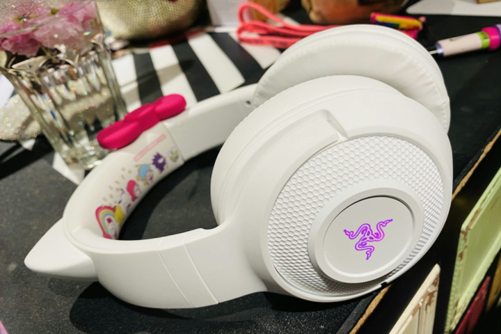 Razer_Kraken_BT_Kitty_Edition_Hello_Kitty_01.jpg