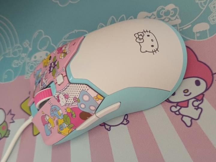 Razer_Viper_Mini_Hello_Kitty_06.jpg