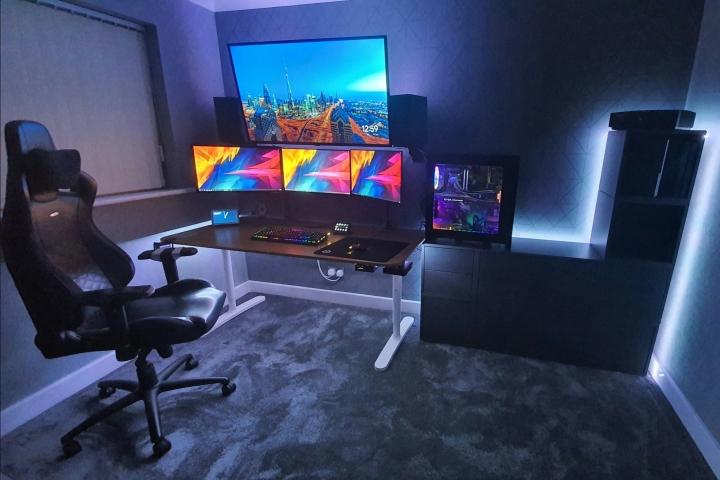Show_Your_PC_Desk_Part199_01.jpg