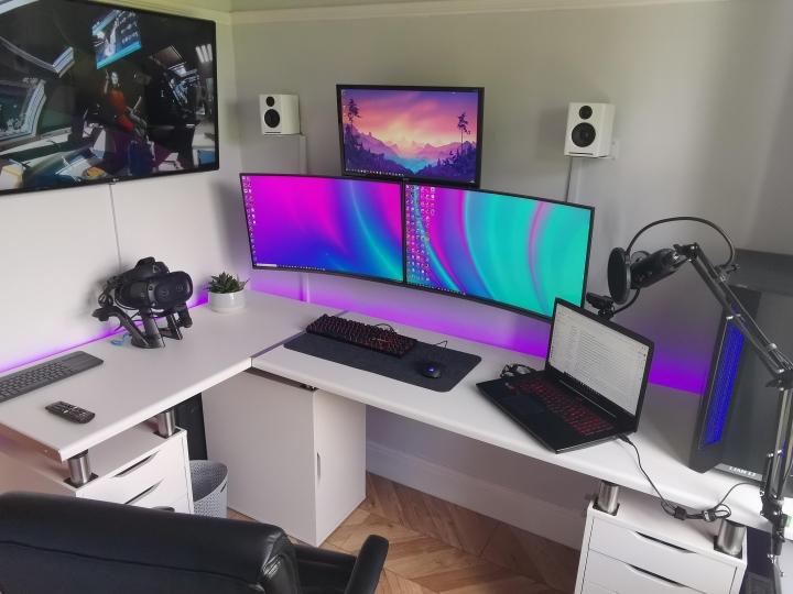 Show_Your_PC_Desk_Part199_47.jpg